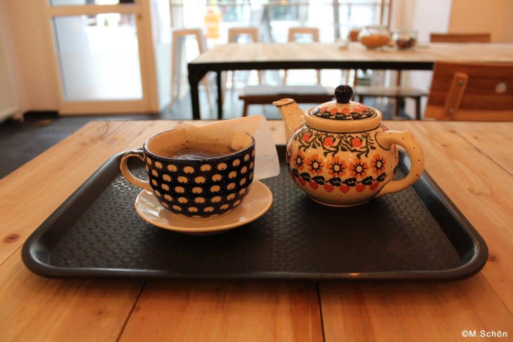 Hojicha im japanischen Café Kame in Berlin